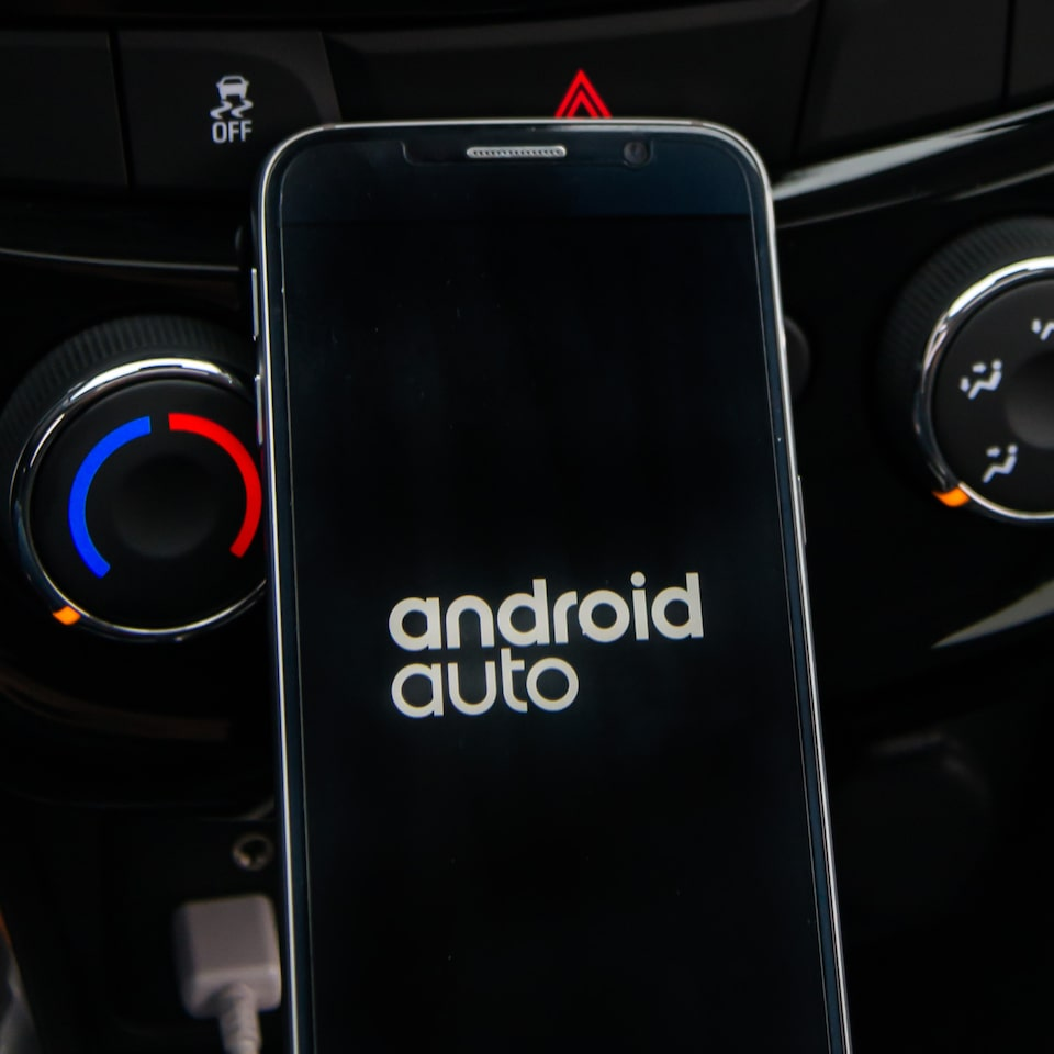 Spin Activ 2020 SUV com Android Auto para smartphones android