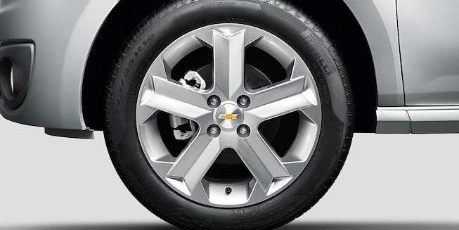Roda alumínio 15 polegadas Chevrolet Montana